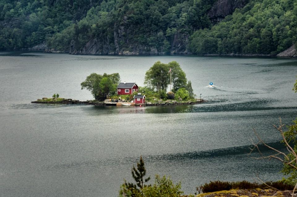 Wohnen mitten im Fjord